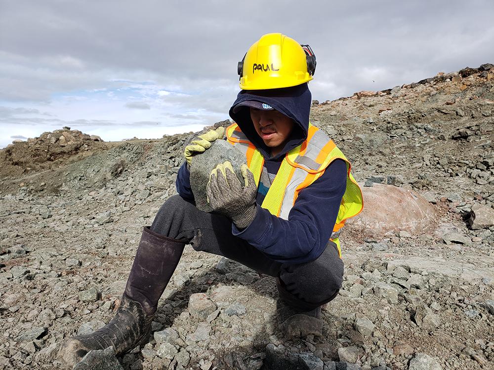 North Arrow Minerals